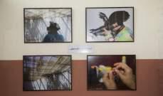 """معرض صور """"أطلق يدي"""" لسجينات سجن النساء في طرابلس.. بالصور"""