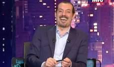 عادل كرم باللباس الخليجي ..والسبب