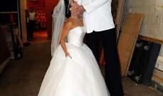 نيك ليشي وزوجته يتنكران كـ كيم كارداشيان و كريس يوم زفافهما ويسخران من فرق الطول