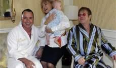 هل ينتظر إلتون جون وزوجه طفلاً ثانياً من نفس الام البديلة؟