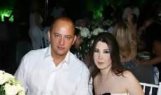 نانسي عجرم في جلسة عائلية .. وزوجها حريص على تسريحة شعرها