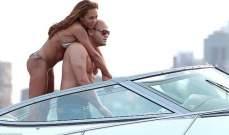 نجمة Spice girls ميل بي تعرض جسدها الرياضي على اليخت ورومانسية مع زوجها
