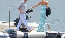 جورج كلوني وحبيبته المصارعة ستيسي كيبلر على القارب في ايطاليا