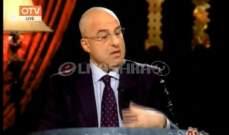"""زياد نجيم في """"حرتقجي"""": لست من لاعقي المؤخرات كي أكرّم اليوم...وأؤيد زواج المثليين"""