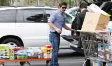 بروس جينر يستعرض أظافره النسائية..وكريس تشتري كماً هائلاً من الأطعمة