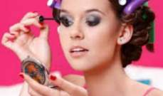 البريطانيات يضعن مستحضرات التجميل لأكثر من نصف حياتهن