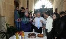 """خاص: أسرة """"ياسمينا"""" تفاجئ فادي إبراهيم وتحتفل بعيد ميلاده"""