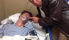 أرنولد شوارزنيغر يظهر جانبه المرح إلى جانب إبنه في المستشفى