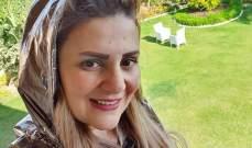 رانيا محمود ياسين تزور قبر والدها-بالصورة
