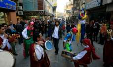 مسرح إسطنبولي يحتفل باليوم العالمي للمسرح في مدينة صور..بالصور