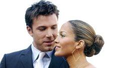 جينيفر لوبيز وبن أفليك يتبادلان قبلة حميمة بالكمامة في حفل الـ ميت غالا-بالصورة