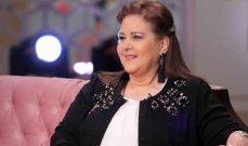 ممثل مصري يؤكد تراجع وضع دلال عبد العزيز الصحي