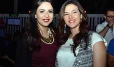 دنيا وإيمي سمير غانم تحتفلان بإقتراب عيد الميلاد..شاهدوا طرافتهما-بالفيديو