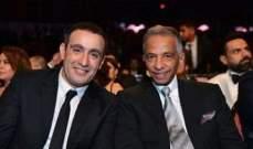 أحمد السقا يثير الجدل بتصرفه الغريب في عزاء والد زوجته محمد الصغير