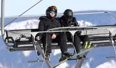 ليوناردو دي كابريو وحبيبته يستمتعان بالتزحلق على الثلج.. بالصور
