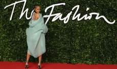 ريهانا على السجادة الحمراء في  British Fashion Awards
