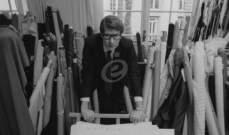 """إيف سان لوران إبن """"ديور"""" أحدث ثورة بعالم الموضة.. وكسر العديد من حواجز العنصرية"""