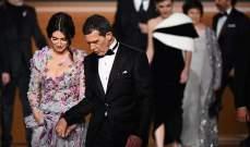 بينيلوبي كروز وأنتونيو بانديراس يداً بيد في حفل Goya Awards