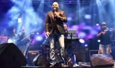 رامي عياش يغني أمام الآلاف في الإسكندرية.. بالصور