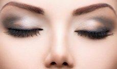 أهم النصائح وخدع الماكياج لإطلالة ساحرة للعيون الصغيرة
