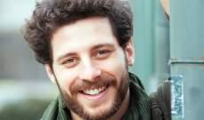 """عثمان من مسلسل """"الطائر المبكر"""" يسحر معجباته بأحدث صوره"""