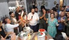 خاص بالصور- عزام ناظر يحتفل بعيد ميلاده مع ملوك الجمال وأرزة الشدياق وجورج قبيلي
