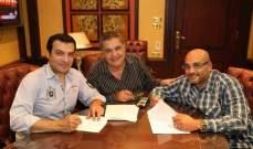 """إيهاب توفيق يوقع عقداً جديداً مع """"عالم الفن"""".. بالصور"""