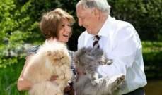 بالصور- إجتمعا بعد طلاقهما بـ30 عاماً.. والسبب القطط