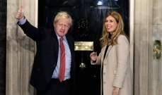 رئيس وزار بريطانيا يعلن خطوبته على كاري سيموندس وينتظران مولودهما الأول