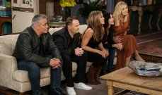 """حلقة """"Friends"""" تكشف سرّ علاقة حب بين هذين الممثلين"""