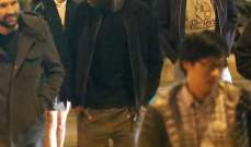 روبرت باتينسون يقبّل المغنية FKA twigs  في العلن