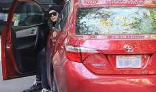 إيرينا شايك تستغل فترة حملها لتعلم قيادة السيارات.. بالصور