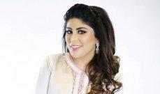 بالفيديو- زارا البلوشي ترد على متابع إنتقد شعرها وعدم زواجها وإنجابها