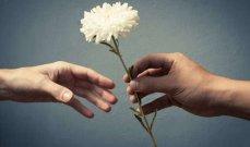 العطاء سر السعادة...إليكم ميزاته وفوائده