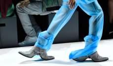 حذاء غريب الأطوار في أسبوع الموضة في نيويورك