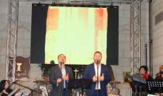 نادر خوري وجيلبير جلخ يرسمان البسمة والفرح برسيتال ميلادي-بالصور