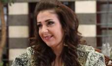 خاص الفن- وفاء موصللي تعامل أولادها بقسوة.. وتحاول إقناع ابنها بفكرة الزواج