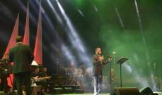 وائل كفوري يتعهّد أن يدرّج الغناء بالمايو في البترون...والجمهور رائع بحماسه!