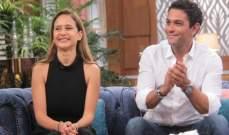 """نيللي كريم وآسر ياسين يرقصان في كواليس مسلسلهما """"بـ100 وش"""""""