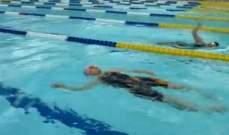 بالفيديو.. يابانية بعمر المئة تحطم رقماً قياسياً في السباحة