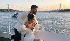 إبنة نزار فرنسيس تتزوج في تركيا.. ووالدها يهنئها بقصيدة مؤثرة - بالصور