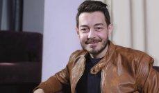 بالصور - أحمد زاهر بلحظات مميزة مع إبنته نور بمناسبة عيدها