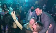 ربيع الأسمر يحتفل بالعشاق في عيدهم ويغادر إلى تونس