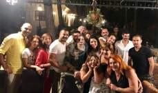 خاص بالصورة- تقلا شمعون وطوني فرج الله يجمعان الممثلين في حفل عشاء