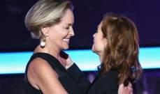 شارون ستون تكرم ايزابيل هابرت بجائزة أفضل فيلم أجنبي