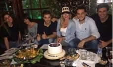 أصدقاء باميلا الكيك يفاجئونها بعيد ميلادها.. بالصور
