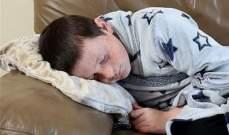 طفل ينام لأسابيع بسبب حالة مرضية نادرة