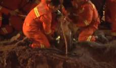 طفل ينجو من الموت بعد وقوعه في بئر عميقة