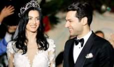مراد يلدريم وريم الباني بلقطة رومانسية من اليونان- بالصورة