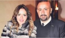بعد 22 عاماً.. والد زوجة أحمد السقا يعود لطليقته وهو في العناية المركزة-بالصورة